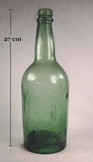 Hyperlink to an image of an ale or liquor bottle with a grooved ring finish.