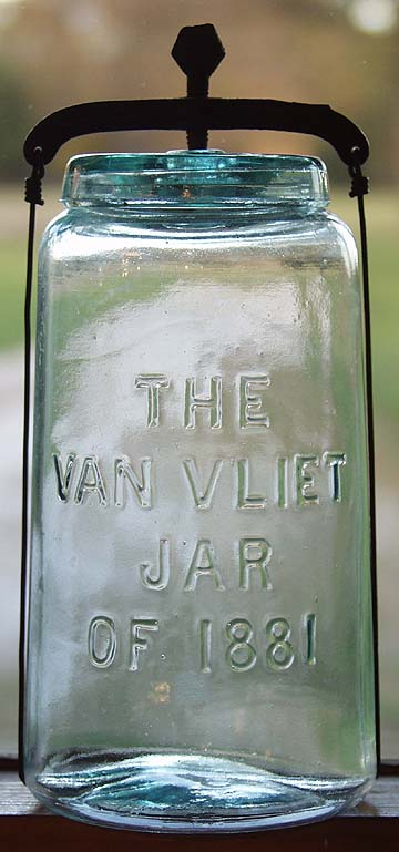 Hyperlink to a picture of a quart Van Vliet jar.