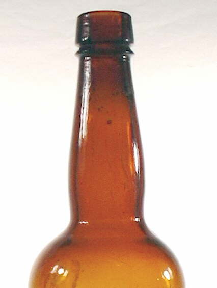 Hyperlink to a close-up view of the Boca Beer shoulder, neck, and finish.