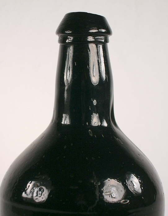 Hyperlink to a close-up picture of this bottle.