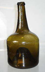 "Mid to late 18th century ""mallet"" style bottle; click to enlarge."