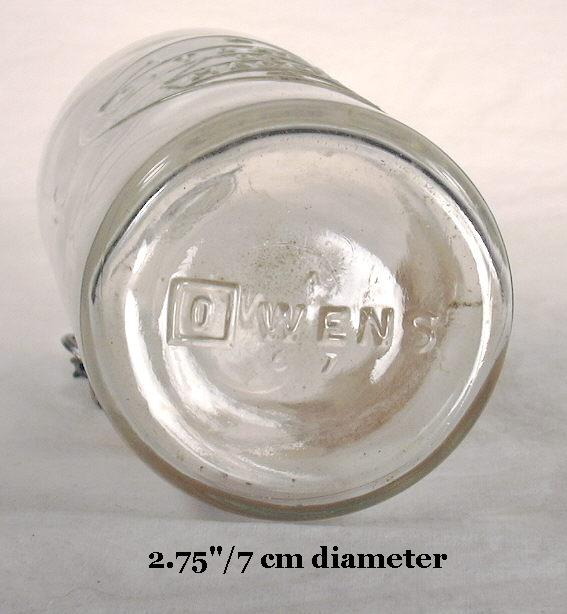 Hyperlink to an image of this bottles base.