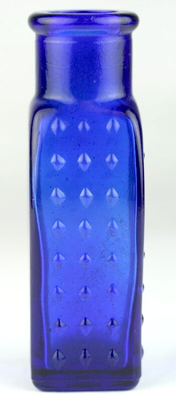 Hyperlink to a side view of the coffin shaped poison.
