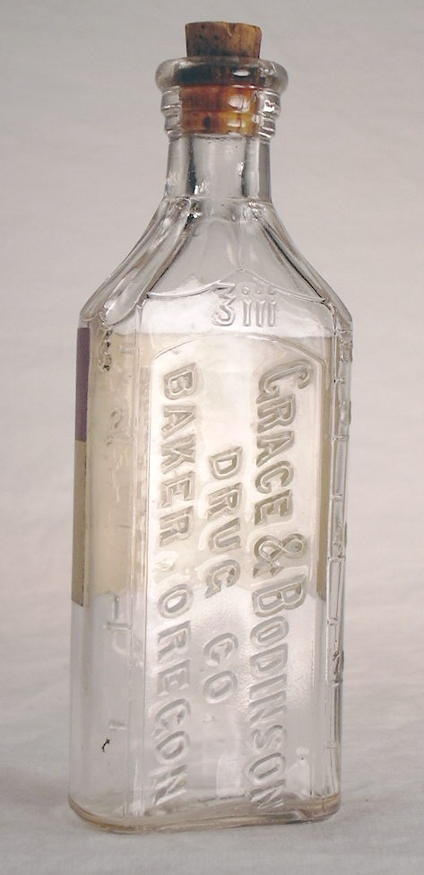 Hyperlink to an image of the Grace & Bodinson druggist bottle.