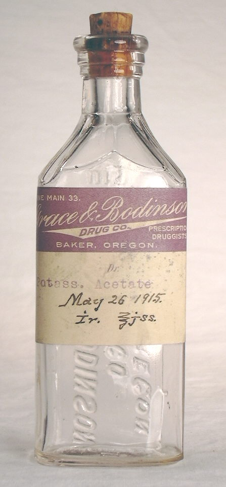Hyperlink to an image of this bottles original label.